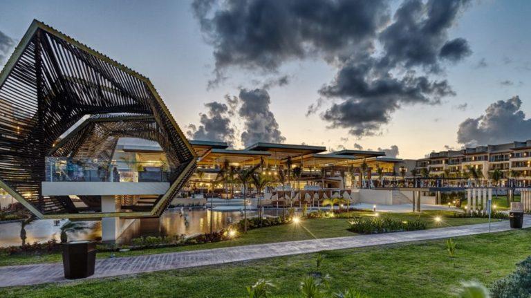 Riviera_Cancun_Gazebo
